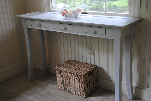 Iu0027ve Loved The Pale Grey And Glass Knobs On The Table And Never Really Felt  Like It Was Missing Anythingu2026 Untilu2026I Came Across This Pale Grey Desk With  ...
