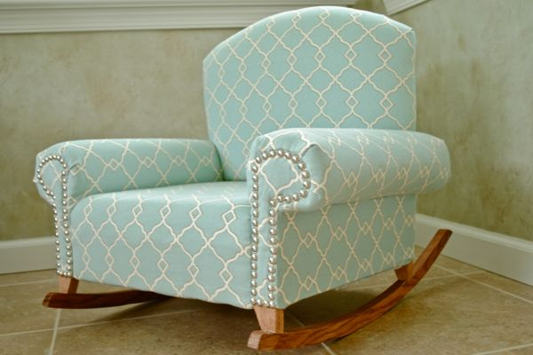 {DIY} Childu0027s Upholstered Chair