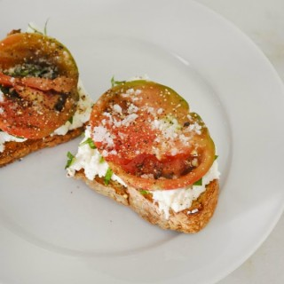 Burrata Tomato Tartine