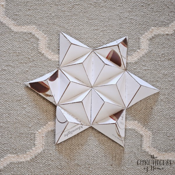DIY 3D Christmas Star Wreath - Holiday Thrift Store Challenge ...