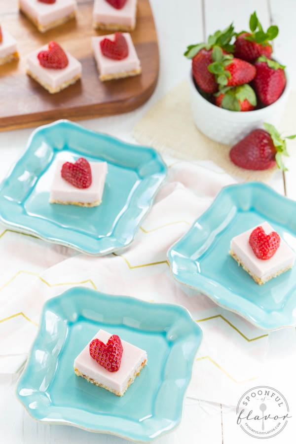 Strawberry-Coconut-Cream-Bites_4870