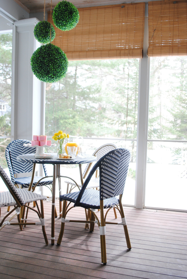 navy and pink screened porch04