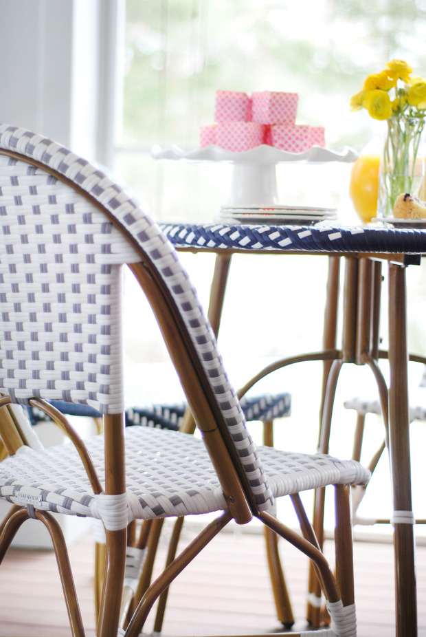 navy and pink screened porch21