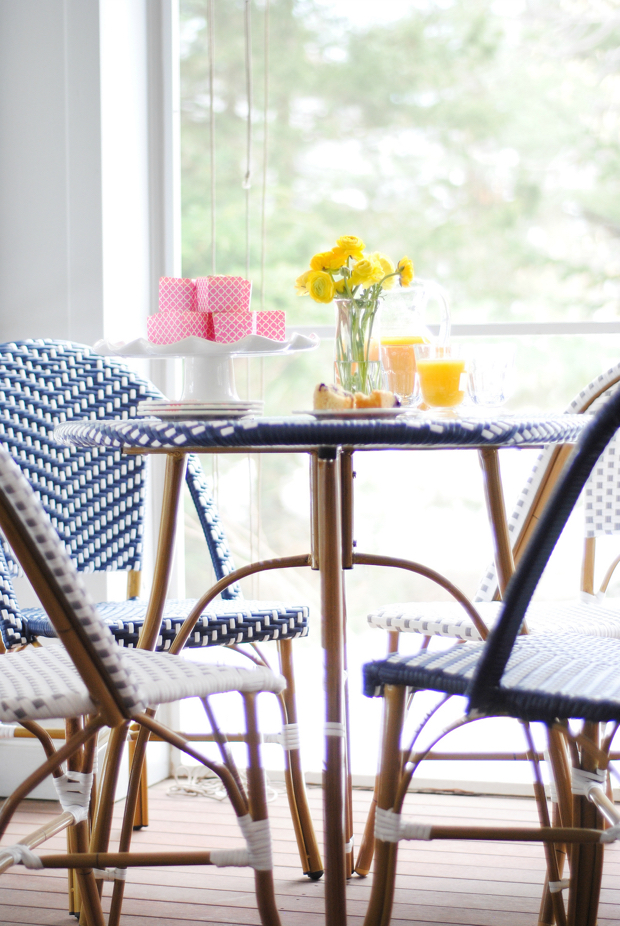 navy and pink screened porch22