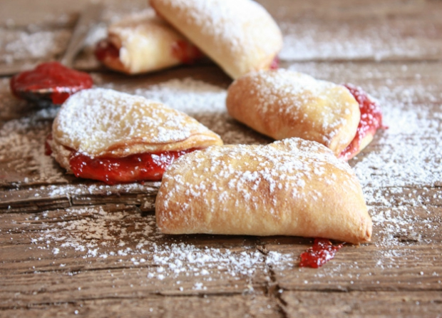 Easy-strawberry-breakfast-turnovers-3-1-of-1