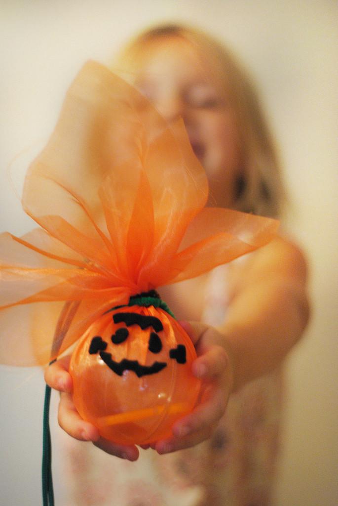 kiwi crate halloween crafts13
