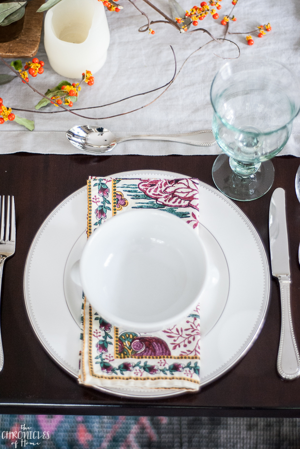 Set a table in no time with these easy tips - fall colors in purple, mustard yellow, and teal
