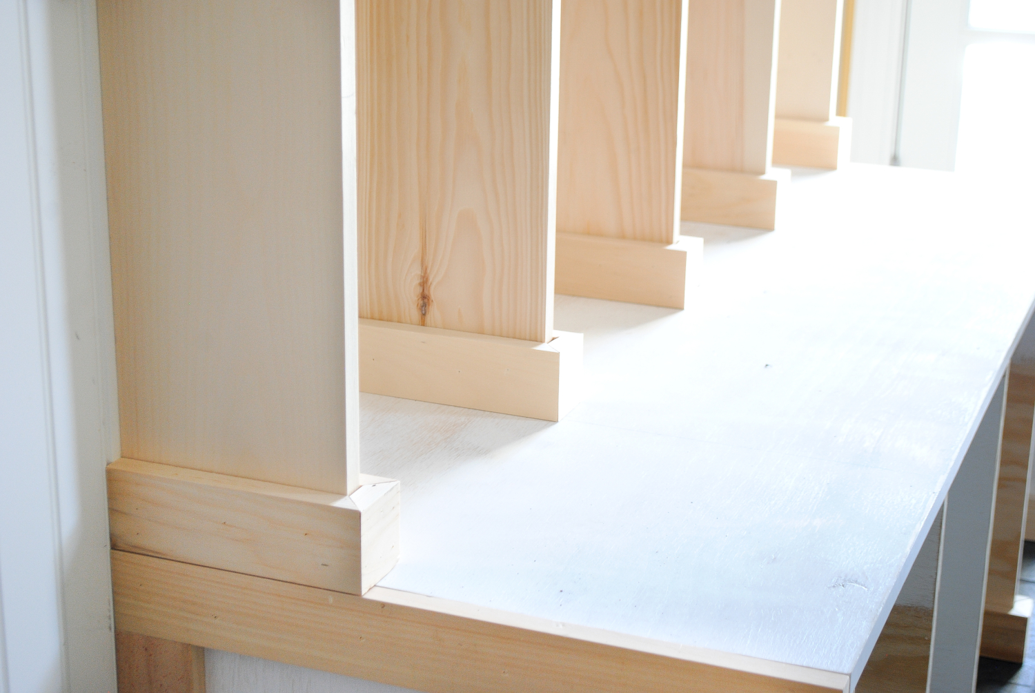 DIY-mudroom-lockers-4-1500x1004.jpg