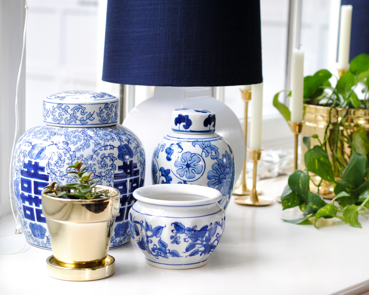 Blue and white pottery - Blue And White Pottery Ginger Jars Collection How To Decorate A Bay Window And
