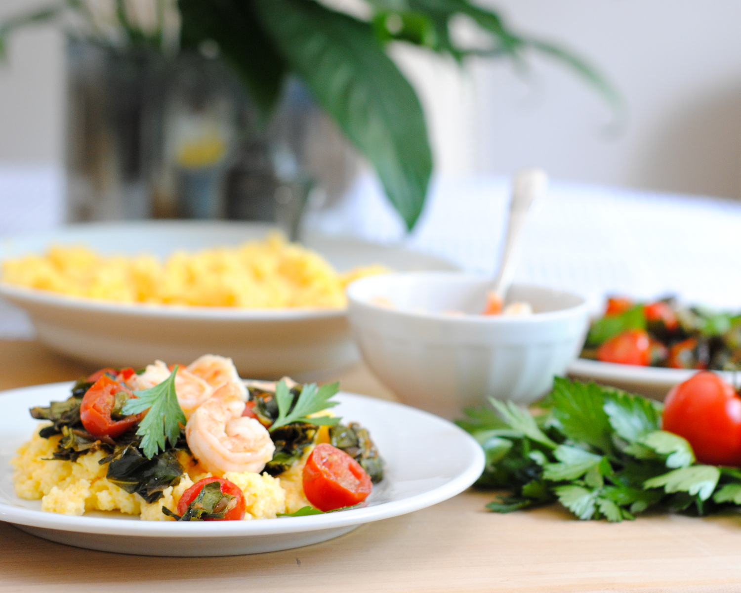 Healthy shrimp and grits recipe with collard greens and tomatoes - super easy and delicious, ready in 30 minutes!