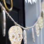 halloween-front-door-decorating-2