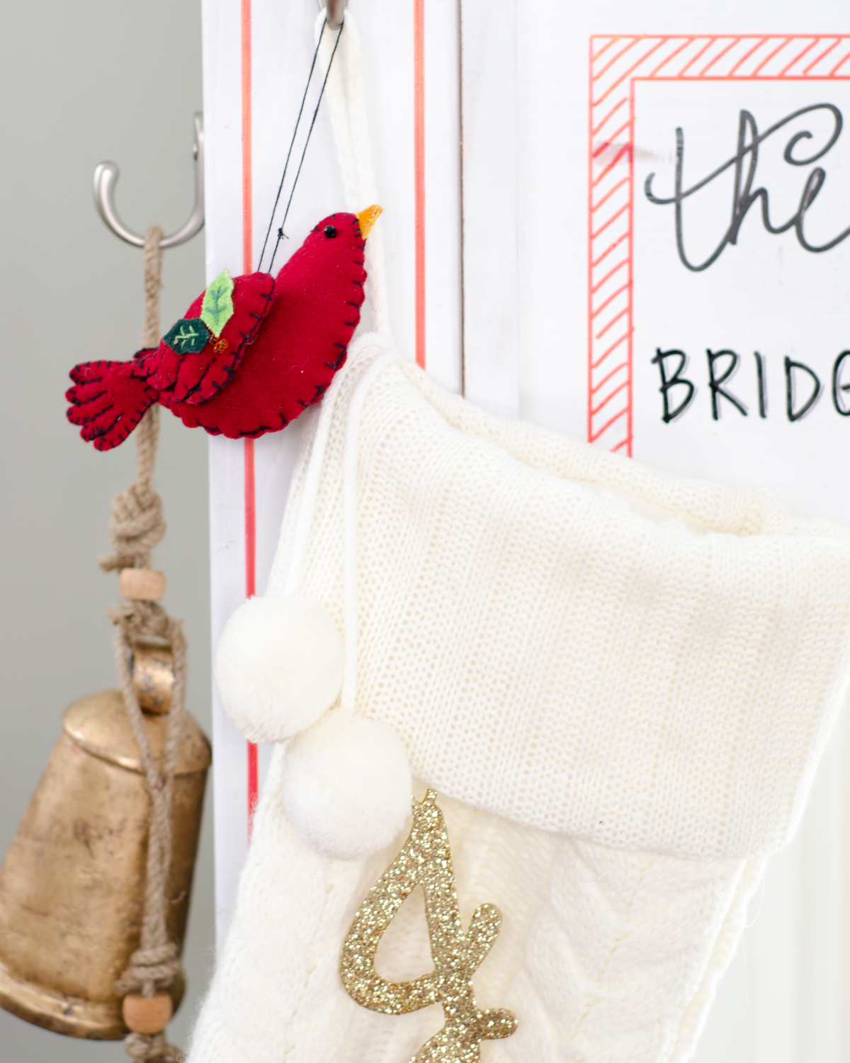 diy-christmas-stocking-post-DIY Christmas stocking post - perfect if you don't have a mantle or just as a cute Christmas accent anywhere!