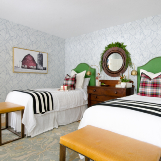 Christmas Tour 2016 – Entryway and Guest Room
