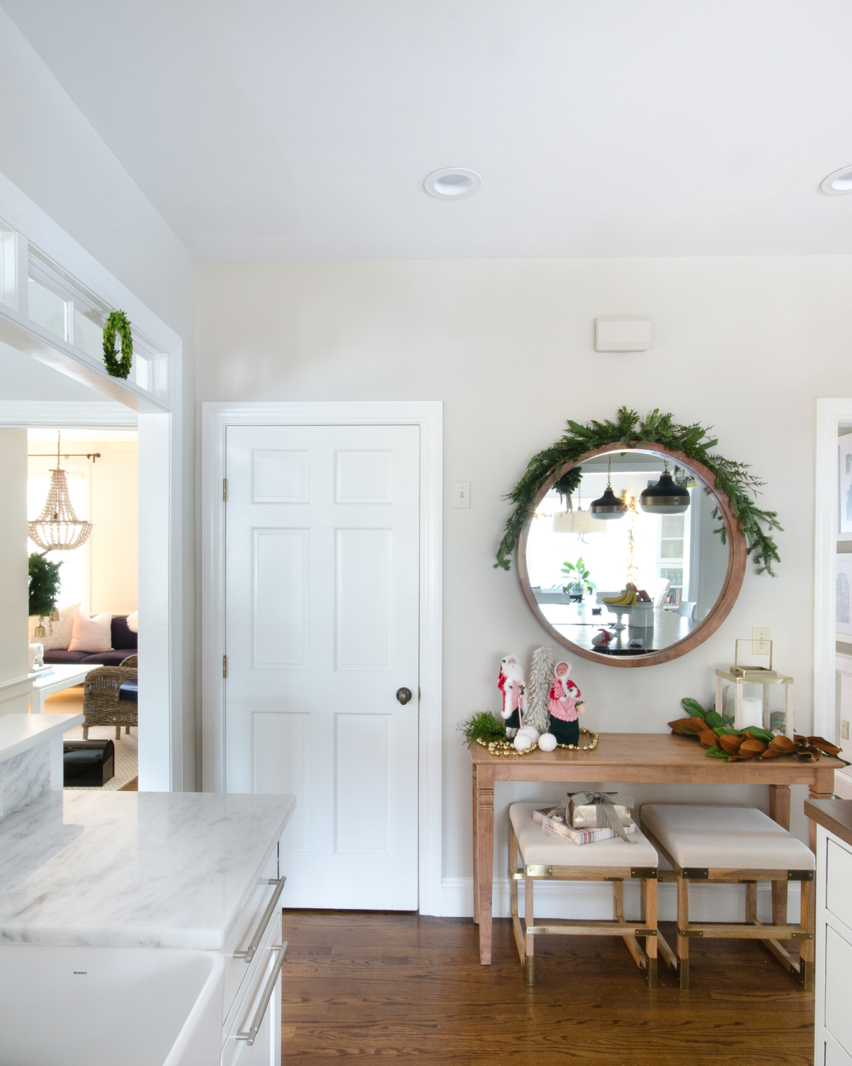 classic-christmas-mudroom-and-family-room-26