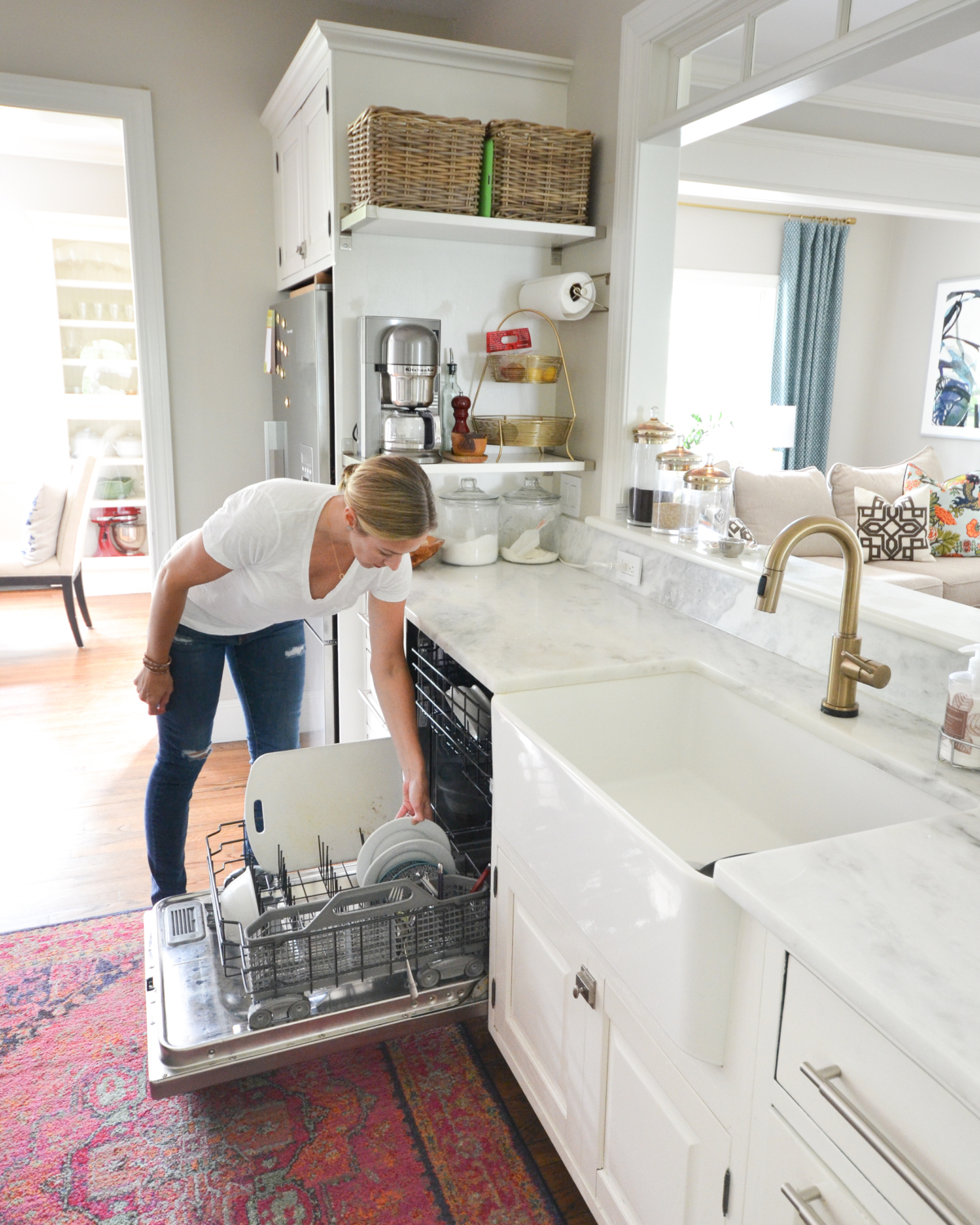 Nine easy tips for a clean home that you can use every day to easily keep your house looking and feeling tidy in mere minutes!