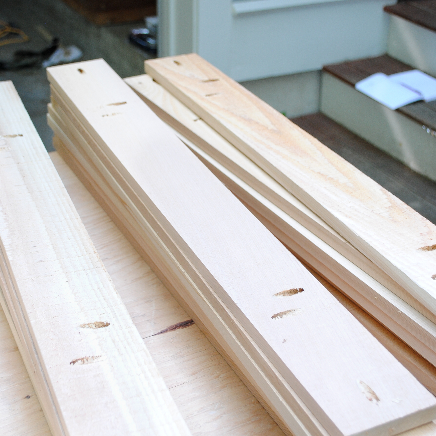 To Assemble The Table Top, Clamp The Boards Together One At A Time And  Attach Using 1u2033 Pocket Hole Screws In The Holes Along The Sides Of The  Boards.