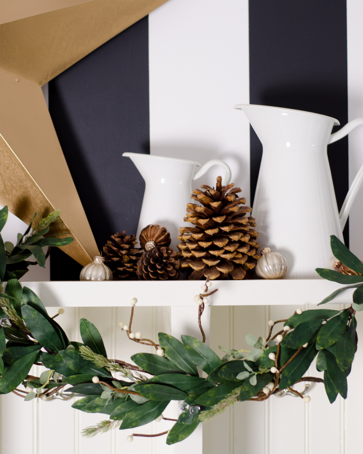 Simple and classic Christmas decorating for the mudroom - black, white, and green. 2017 Holiday Housewalk