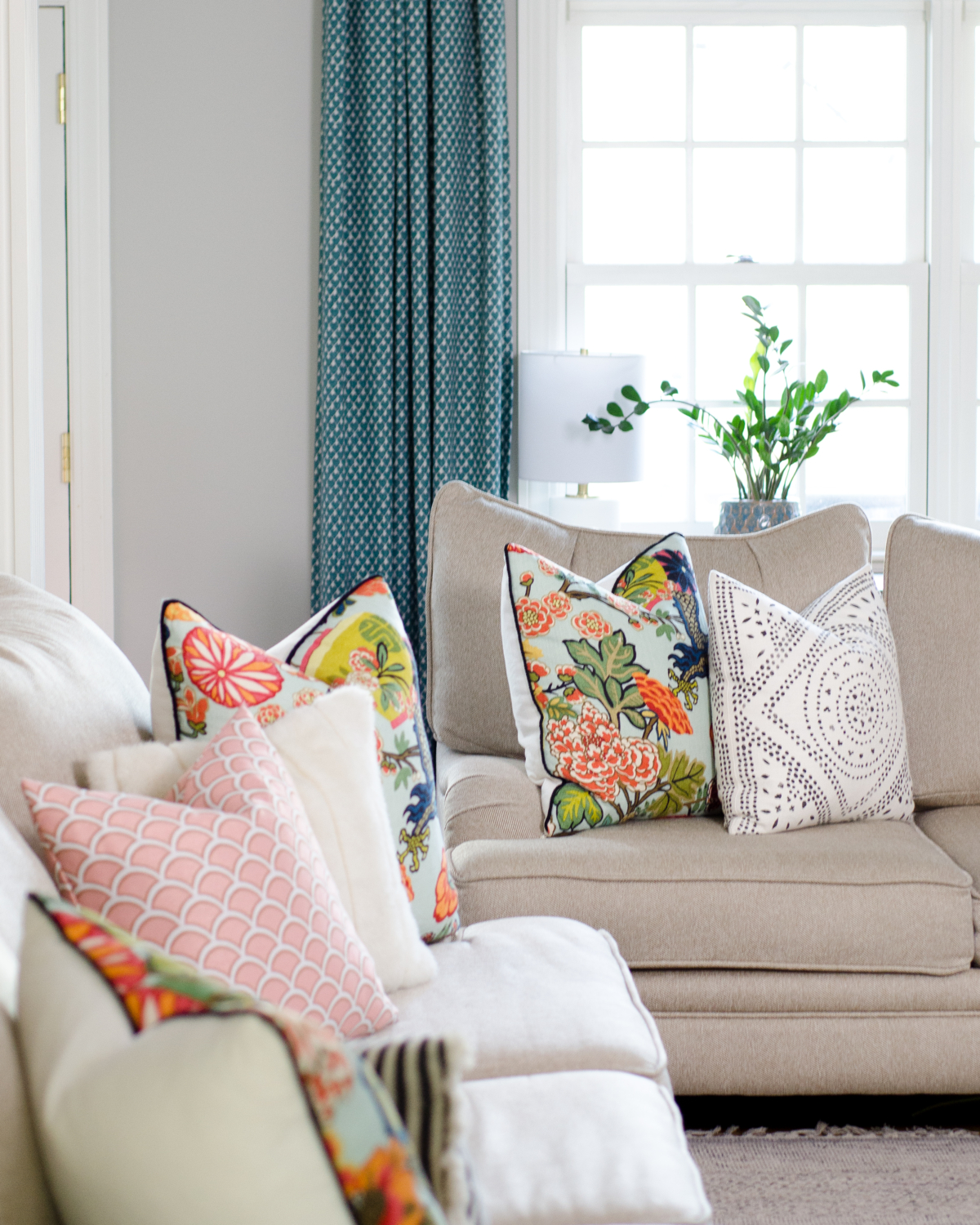 A spring family room that shows how to create a stylish space that's still family friendly. Simple and pretty ideas for spring decorating.
