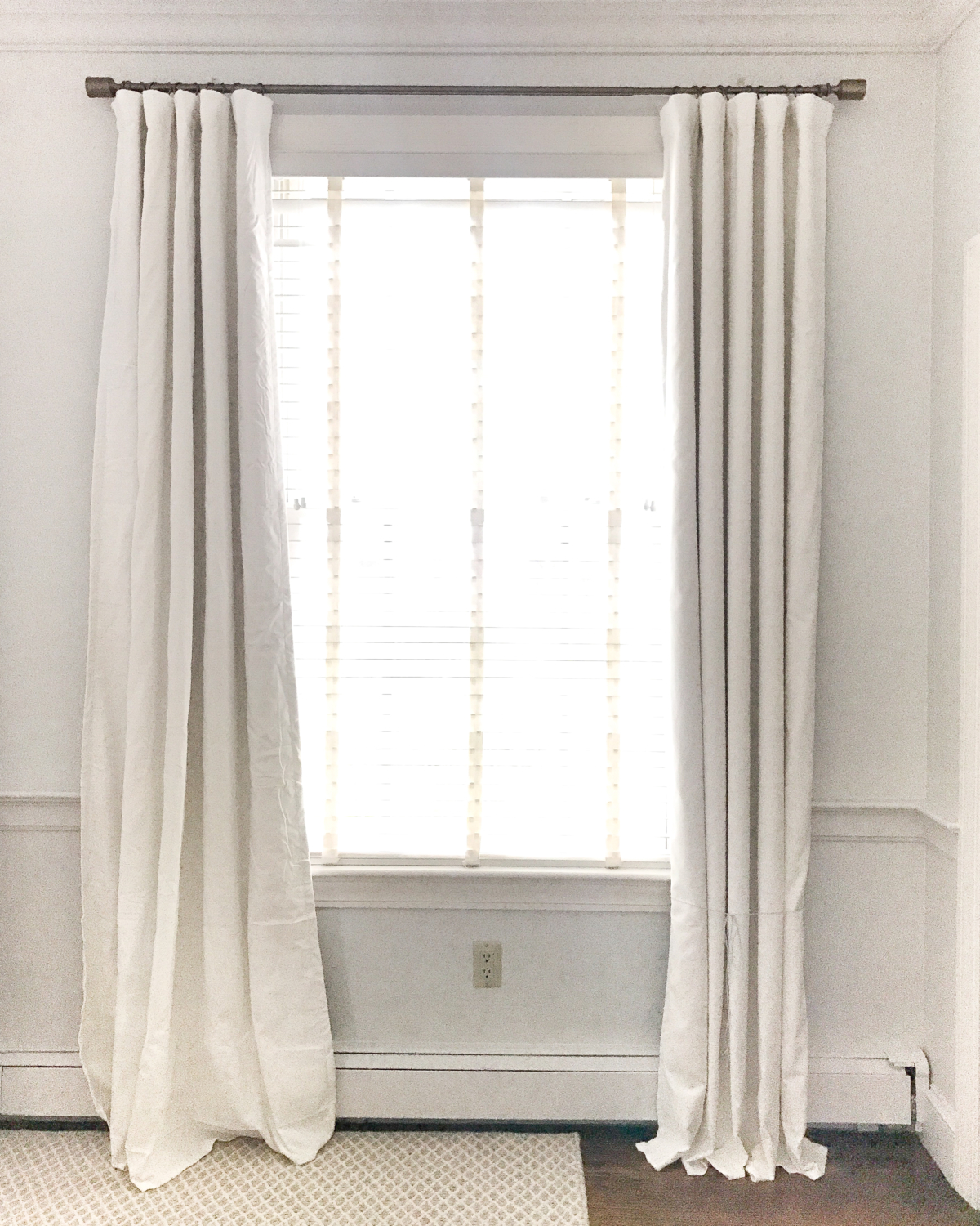 The First Important Step In How To Make Your Curtains Hang Straight Is Purchasing Quality Unlined Are Er Than Lined Ones But They