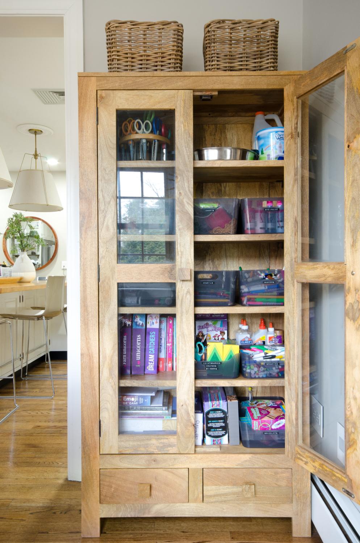 Easy way to organize kids' art supplies