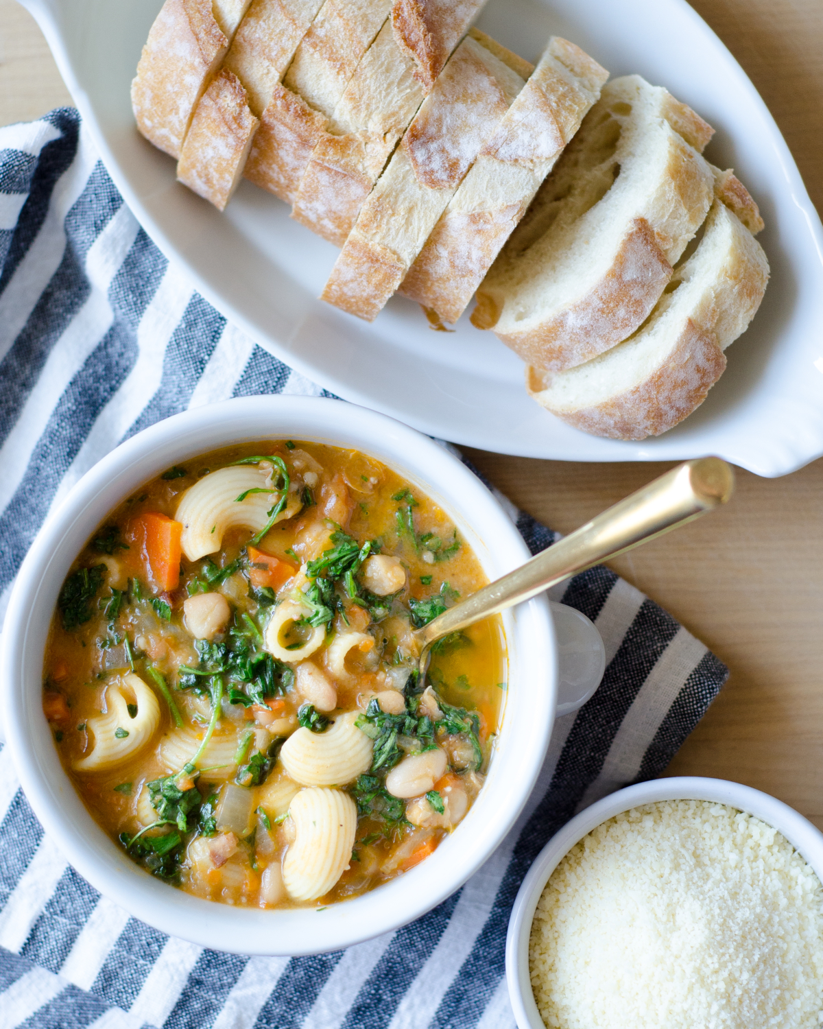 Easy and healthy Italian bean soup recipe (pasta e fagioli) filled with vegetables, beans, and pasta. Great one pot meal made with pantry staples.