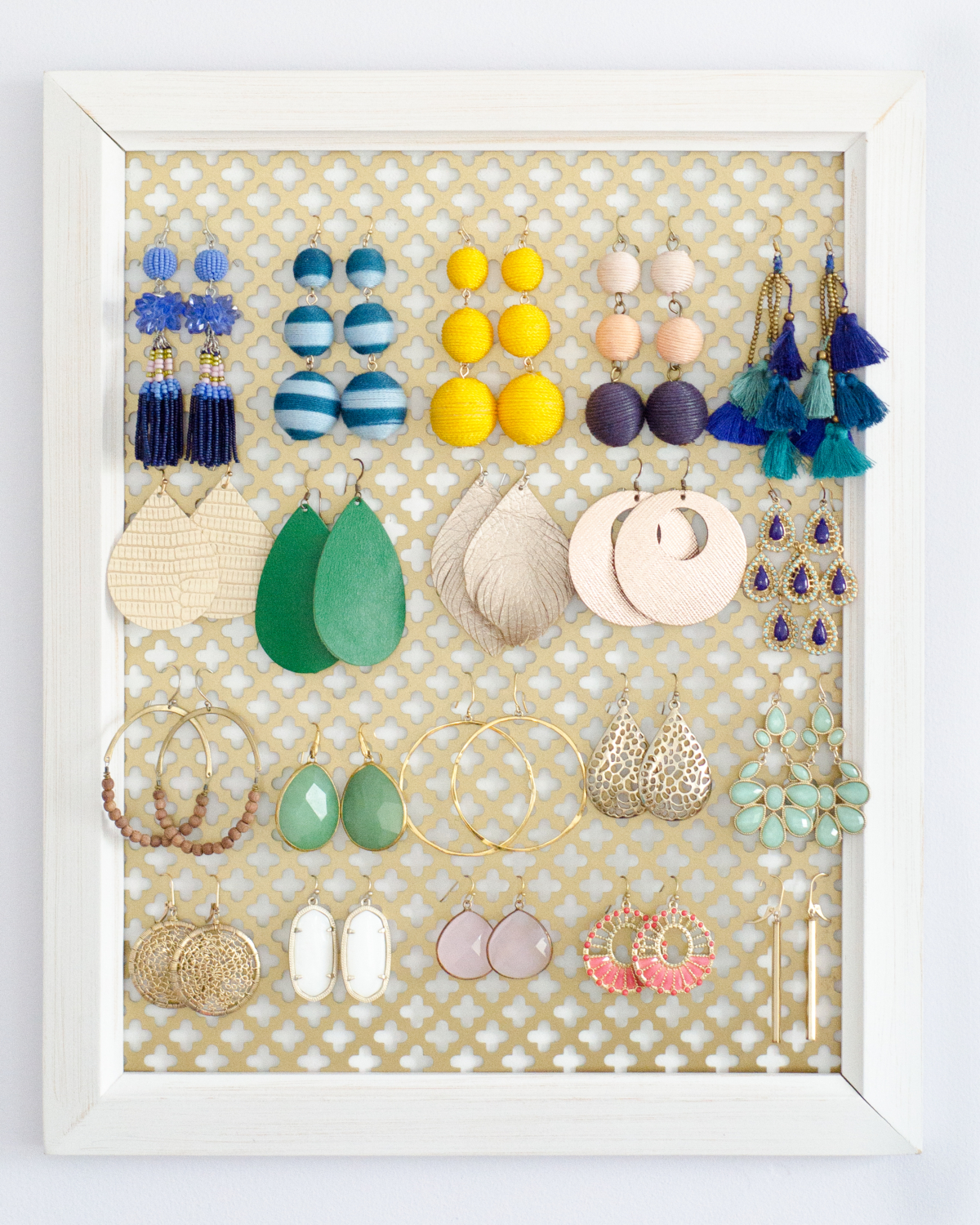 Easy and inexpensive earring organizer